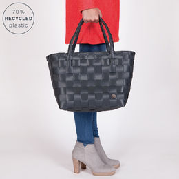Handed By, Paris-shopperi  Dark grey